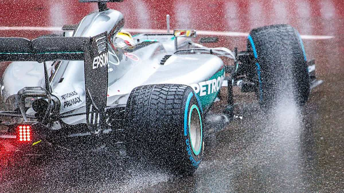 F1 tyres: INSIDE F1 GRAND PRIX