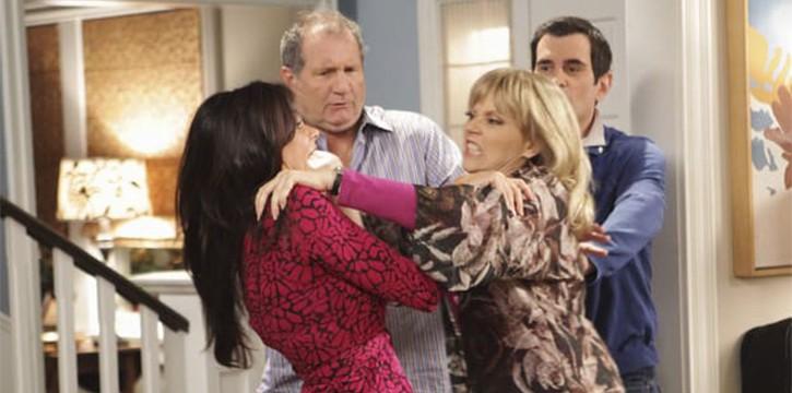 "Modern Family - Season 1, Episode 4 – ""The Incident"""